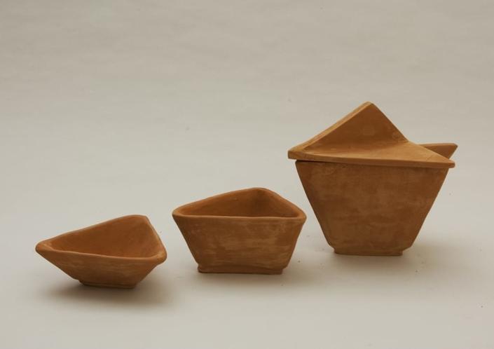Guseppe Canali Ciotole Triangolari Ceramica