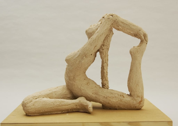 Giuseppe Canali Figura Yoga Ceramica Raku da cuocere
